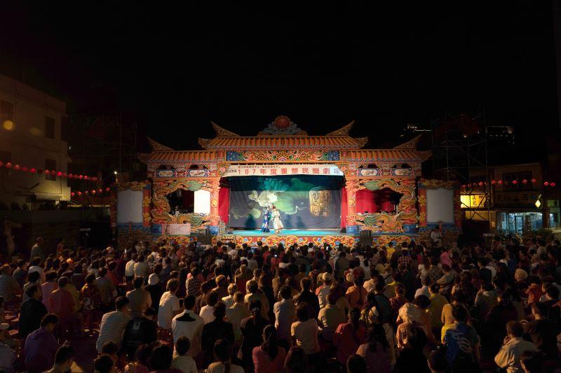 107年於台中萬和宮前演出人潮
