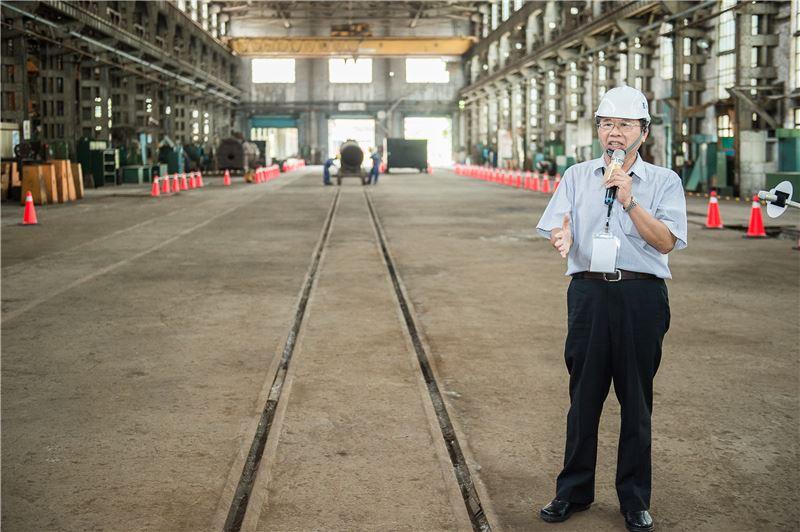 志工導覽「組立工場」--為鐵道車輛進入台北機廠檢修時最先進入拆卸,亦為最終組裝出場試驗的工場。