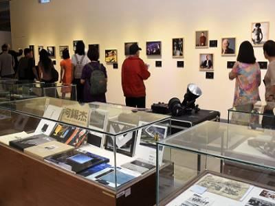 民眾參觀展覽