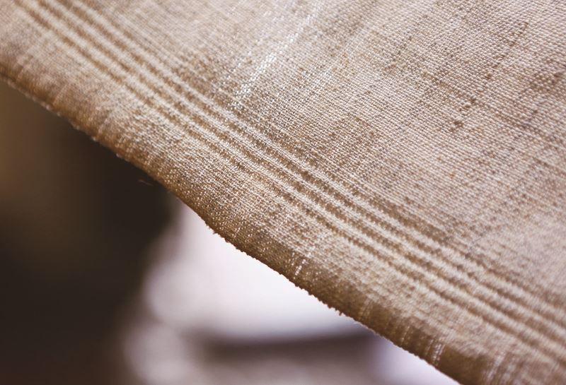 奶奶波浪斜紋織作品中的細部紋理。
