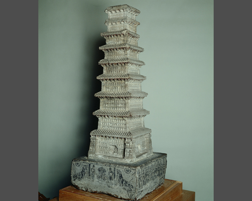 Nine-storied stone pagoda, right side view-Large