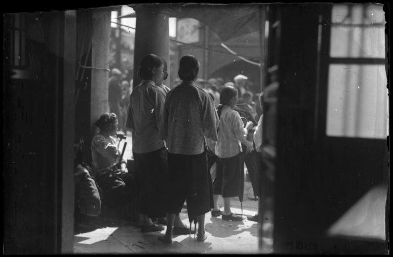 鄧南光〈北埔紀實〉1930年代,原作為玻璃版底片數位化,5.7x8.2x0.1cm_c國家攝影文化中心