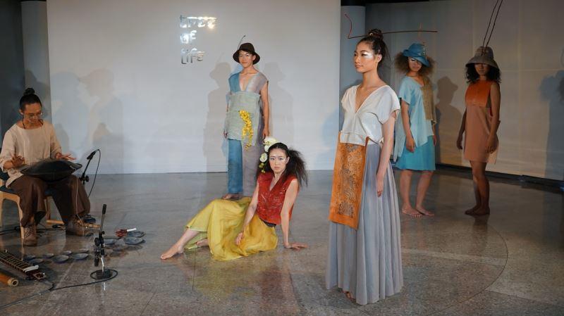 「繽紛之春」服裝秀-設計師:臺灣陳婉麗Chen_Wan-Lee