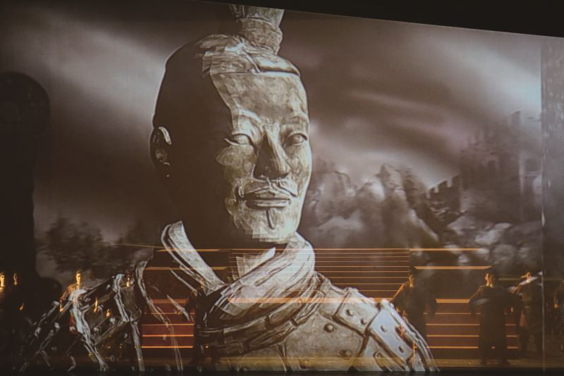 4、5年前的《秦始皇 千古一帝》早已運用3D投影,讓觀眾為氣勢有如千軍萬馬的史詩效果所震懾。