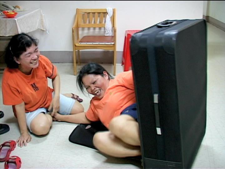 多年之後,幾位菲媽已回鄉、幾位則是繼續留在台灣,