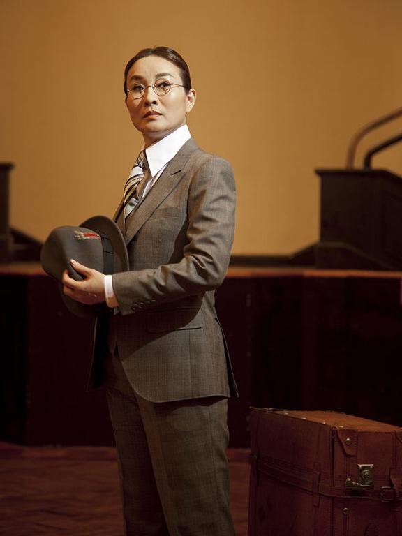 《孟小冬》宣傳照片。(魏海敏飾孟小冬)(2010)