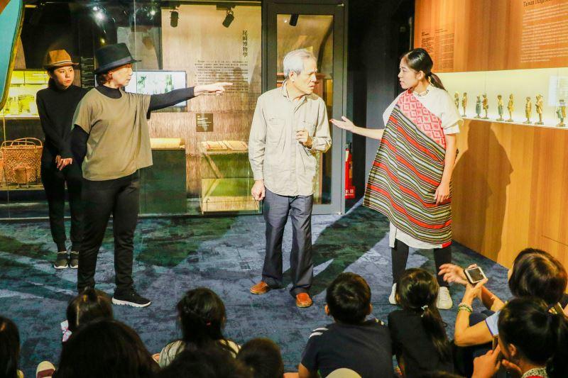 圖1_發現臺灣戲劇導覽重現博物學家在研究之路上面臨的不同立場
