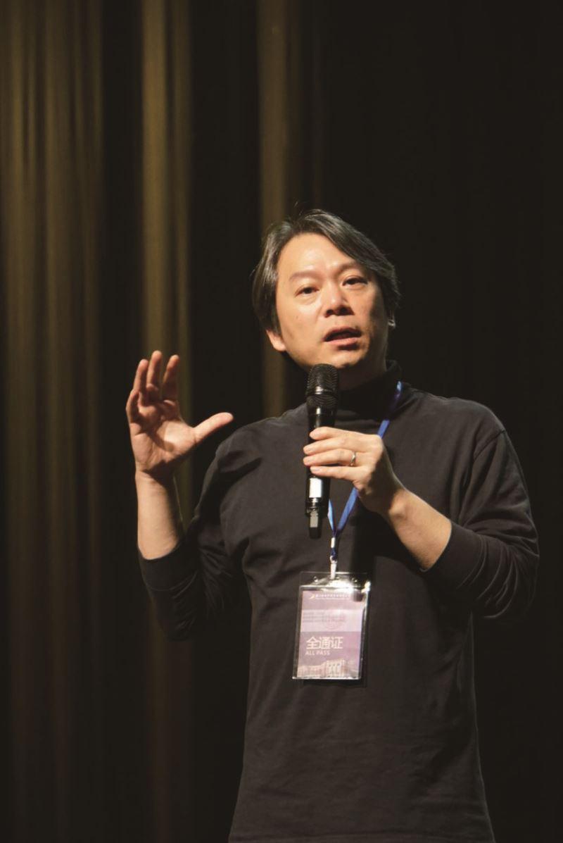 臺師大表演所所長夏學理教授。
