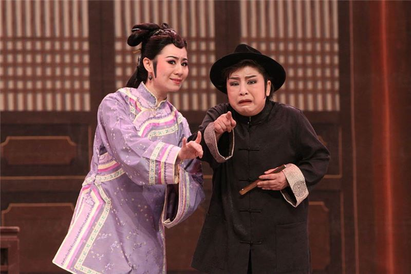 "A scene in "" Exhortations from a Virtuous Wife to Her Husband "" (2009).( Jiang Yan-li as wife,Huang Feng-zhen as husband )"