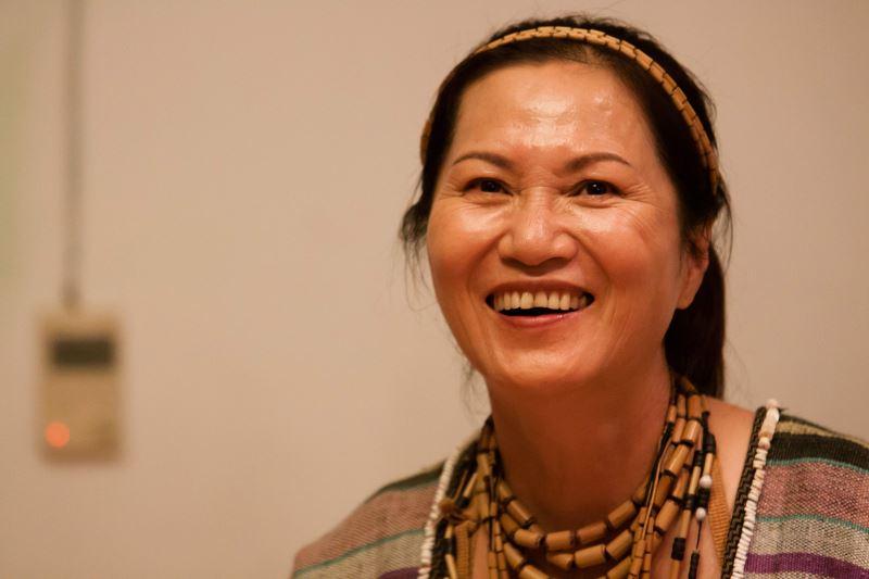 因卡美明 Inka Mbing 漢名雲力思,泰雅族人,出身於新竹縣尖石鄉水田部落(Slaq)。早年曾參加樂團、合唱團,渾厚、具爆發力的嗓音是她的招牌,2004、2009年分別獲得文化薪傳獎及第20屆金曲獎「最佳原住民歌手」。本身從事原住民權益爭取運動多年,但在一次聽見部落耆老吟唱Lmuhuw後,便踏上文化傳承之路。