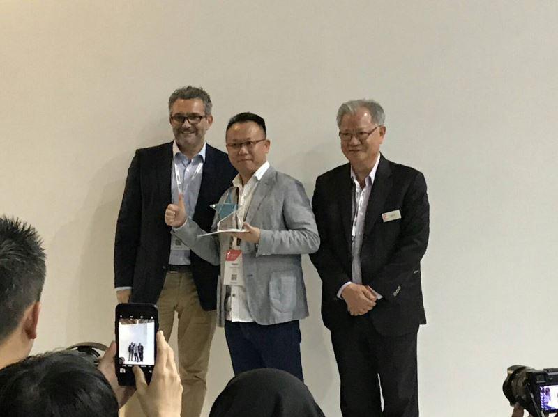 穆德設計洪嘉聯總獲商展大會(IFFS)頒發2018年度「NOOK_Asia_最佳家居裝飾獎一手工藝品類」殊榮