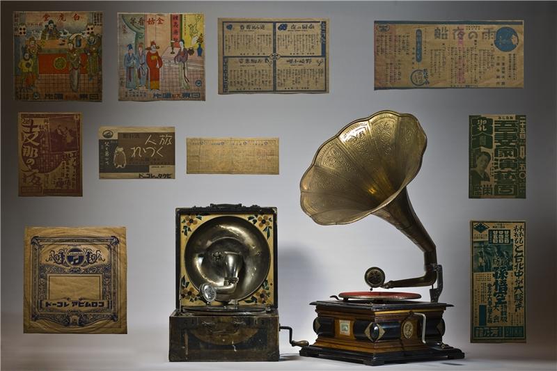蟲膠唱片、黑膠唱片及留聲機