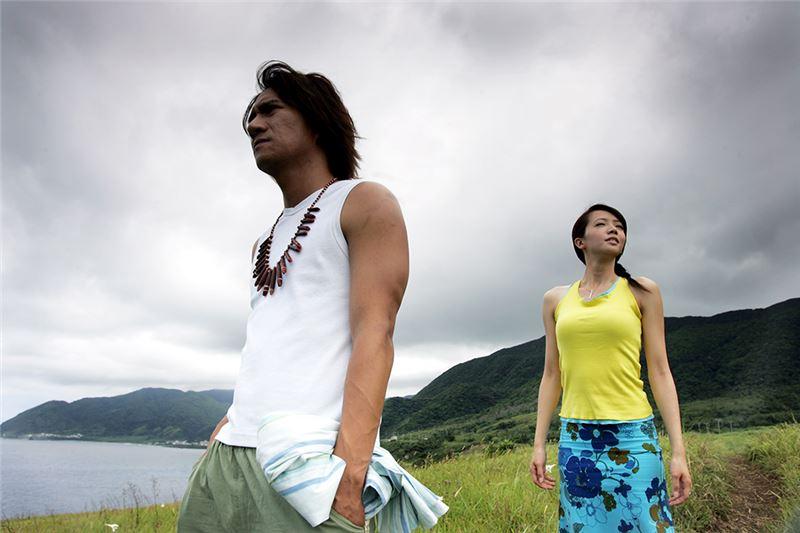 本片影像乾淨、故事簡潔,依循愛情電影的公式發展:台北都會時尚女子出差來到蘭嶼,邂逅了海島上的達悟族男子,經過文化衝擊、冤家鬥嘴、從誤會到和解的過程之後,開展出一段清新的愛情故事。