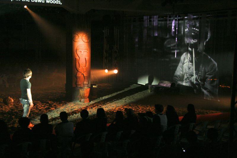 在多元文化的世代,原住民擁有的文化資產備受重視;排灣族歌手芮斯便重新詮釋祖靈神話,以音樂劇形式讓更多人聽見排灣族的故事。