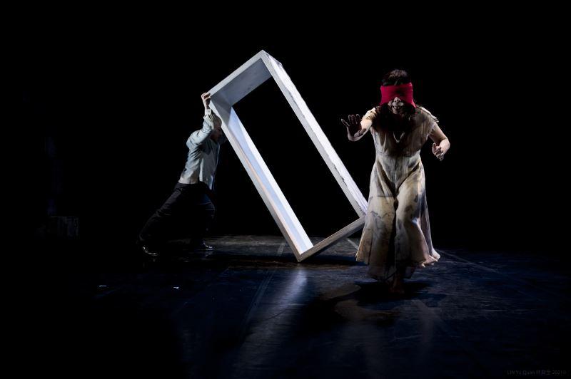 《星圖》透過崑曲、戲劇文本與肢體來建立對話