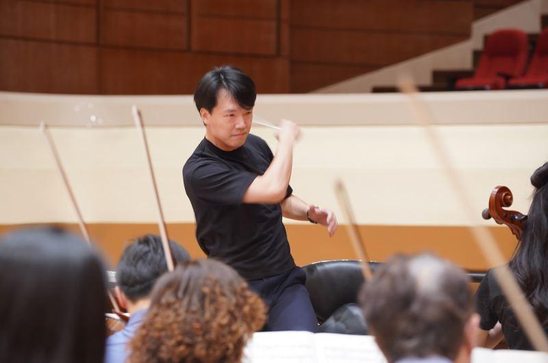 指揮廖國敏2020年受邀一連與國臺交合作演出4套音樂會