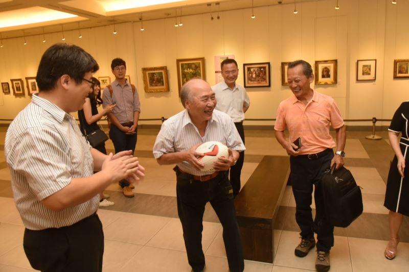 張萬傳大同中學初中部學生鄞義賓講述與張萬傳打球逸事