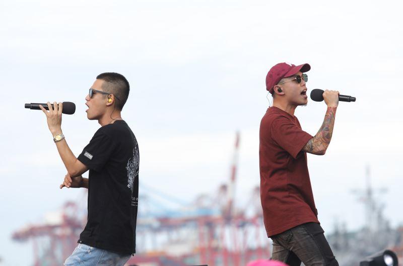 Boy band CaoTun Boyz (草屯囝仔).