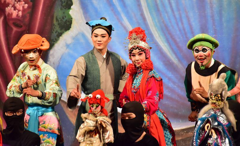 海洋保衛戰 由古都木偶劇團與臺灣豫劇團共同演出8