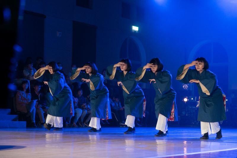 雞屎藤舞蹈劇場製作了不少以臺南府城為主題的舞蹈。此為《府城夜話》劇照。