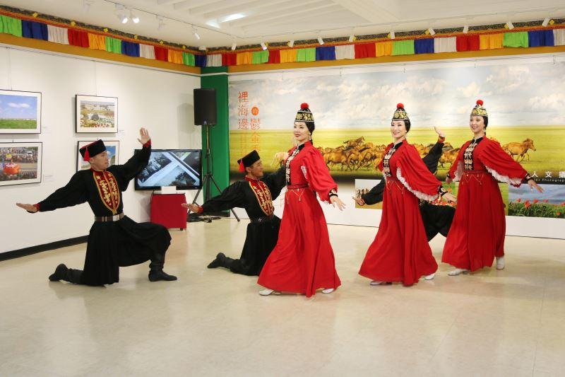 喀爾瑪克鬱金香蒙古舞團現場演出