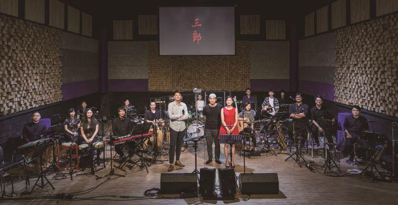 楊易修老師為戲曲《三郎》編製的歌曲,其中獨立編曲作品《浮世》獲得第12 屆myfone 行動創作獎原創歌曲。
