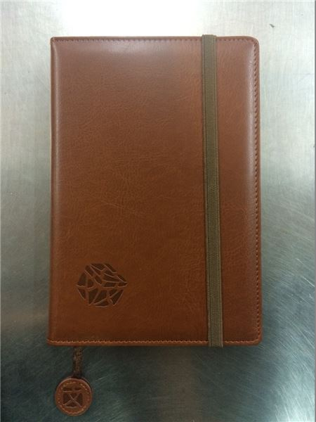 仿皮革筆記本 ●售價:新臺幣NT650元