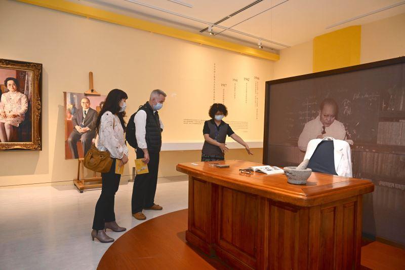 加拿大駐臺辦事處呂明銳處長參觀國美館「海外存珍」特展