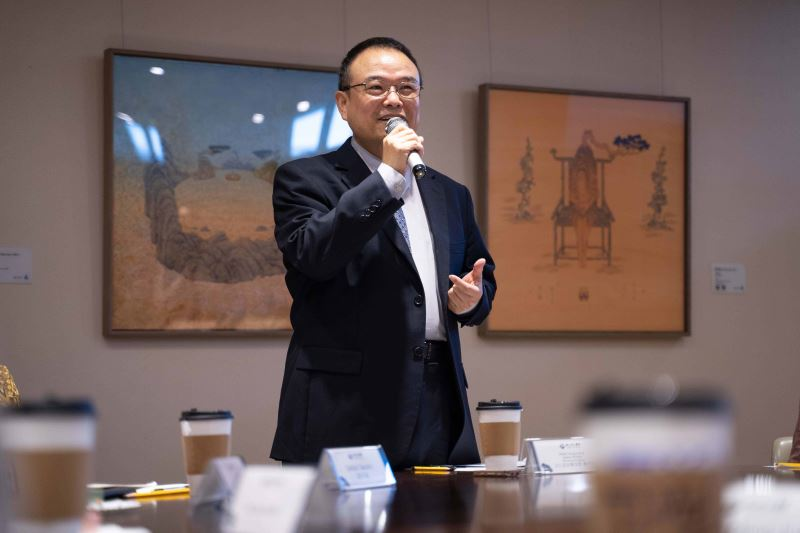 Deputy Minister of Culture Hsiao Tsung-huang.