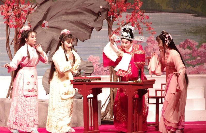 王海玲主演的《秦少游與蘇小妹》,讓觀眾迷戀不已。