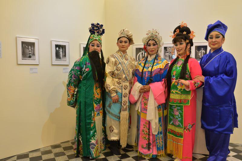 圖3_新錦珠南管劇團團員於1932年拍攝的新錦雲南管劇團團員照前合影