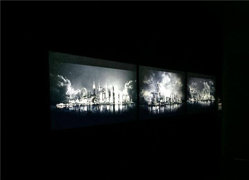 張徐展,截景島系列作品,2011,數位動畫(展場照)