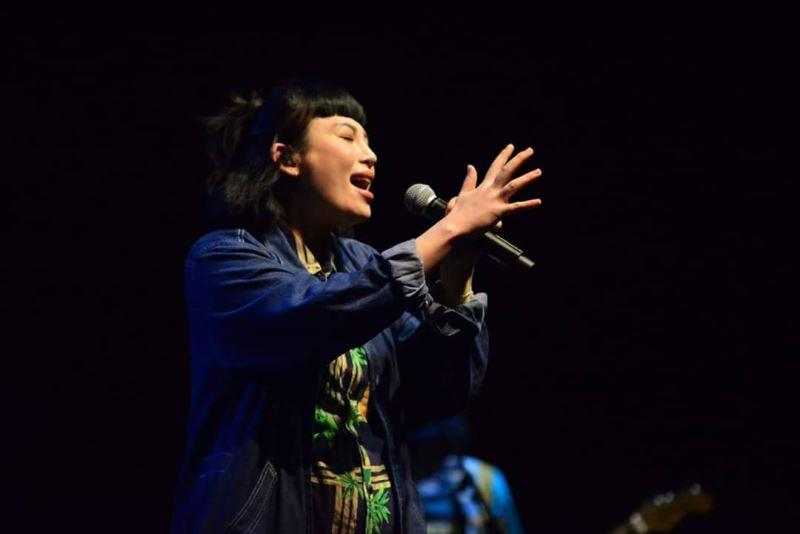 Singer Waa Wei.