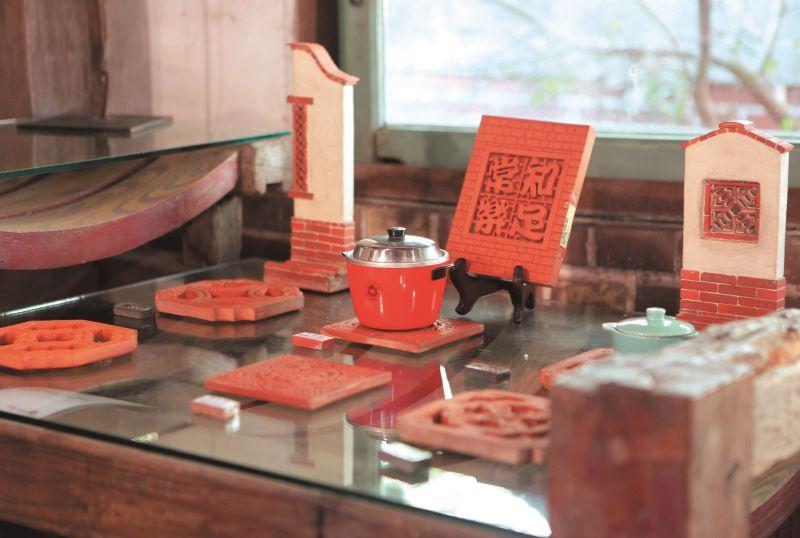 「磚雕工藝」成為李俊宏延續瓦窯生命的另一道曙光。