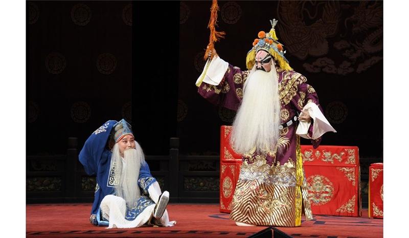 趙氏孤兒,左為唐文華飾程嬰,右為牛征良飾魏絳