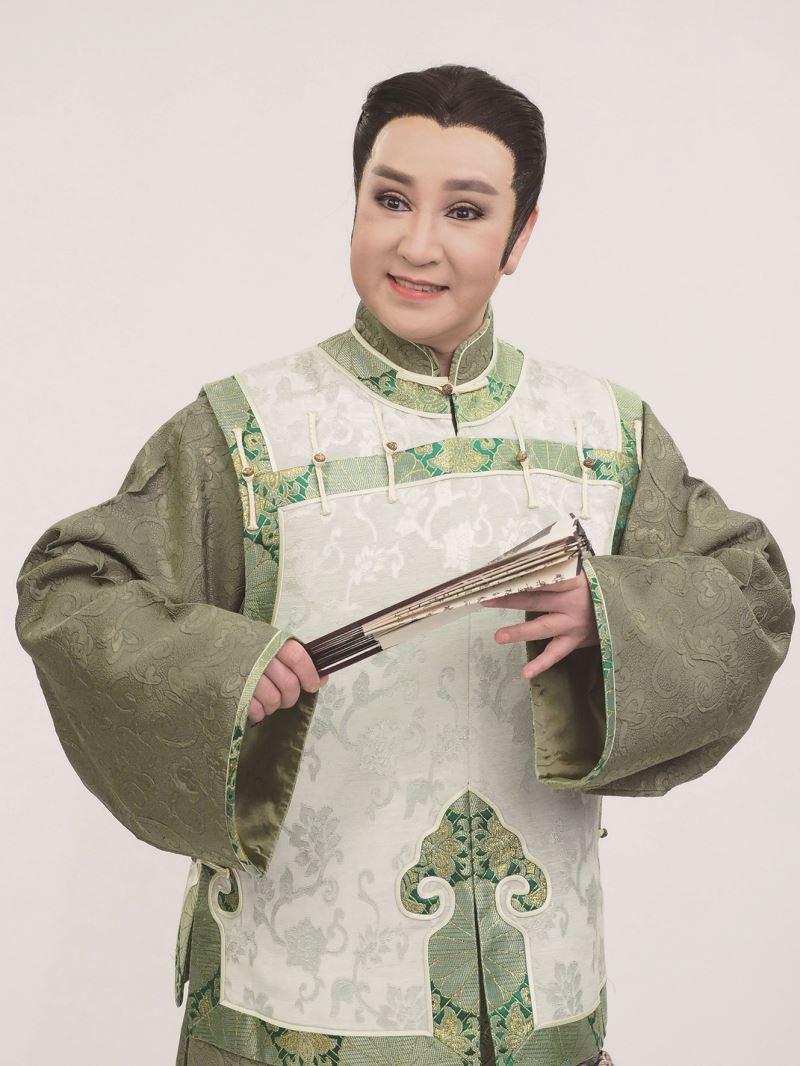 許亞芬為看家戲《楊乃武與小白菜》的視覺效果,扮裝上也下足了工夫。