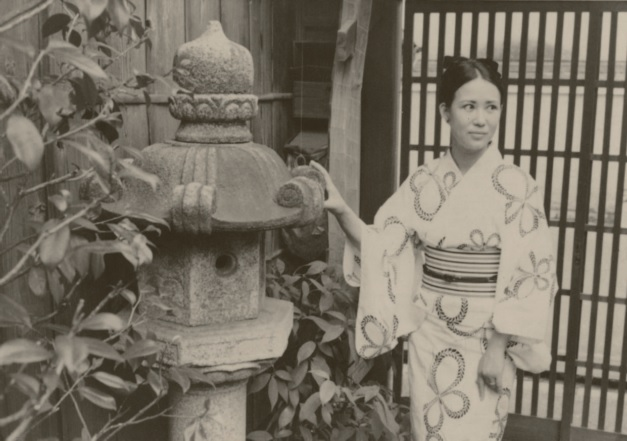 1970: Wearing a yukata for the Summer Gion Festival in Kyoto.