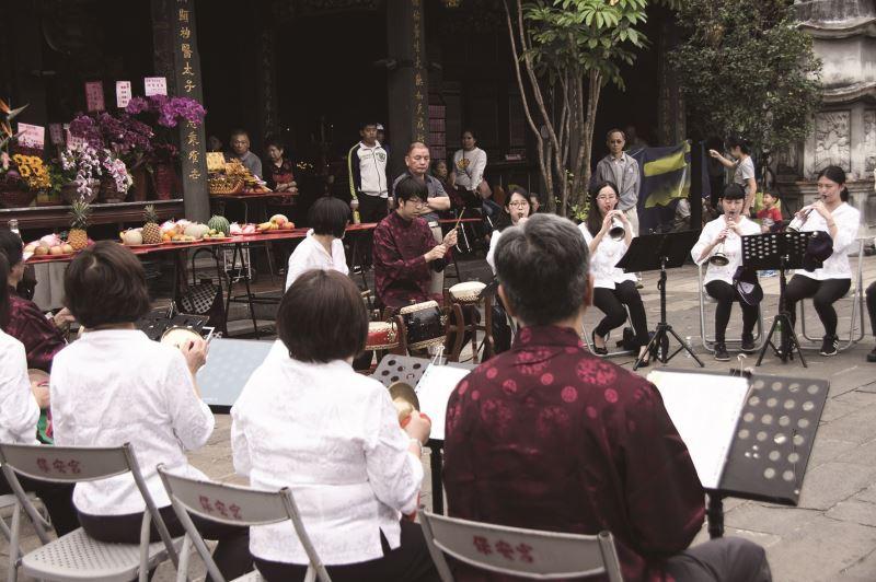 保生文化祭宴王儀式中的表演,本身就為傳統民俗信仰祭典帶來全新文化風貌。
