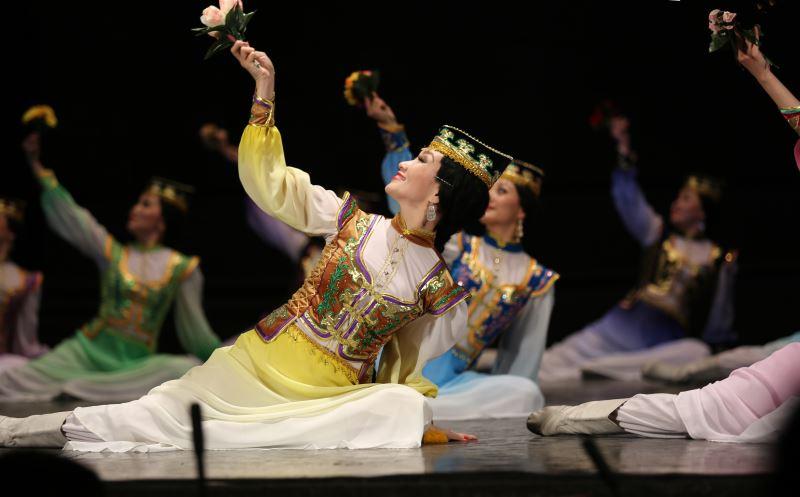 喀爾瑪克鬱金香蒙古舞團