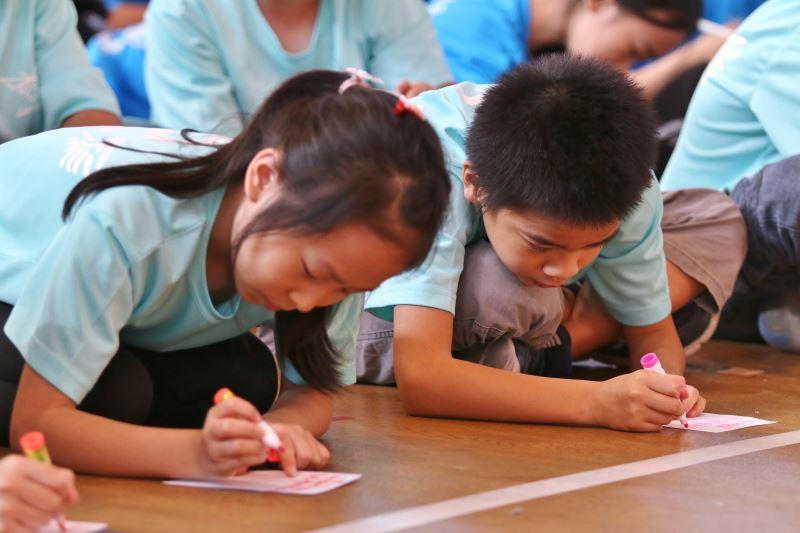 學童們寫下給劇中角色的一句話