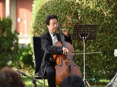 大提琴家張正傑演奏多首膾炙人口的大提琴經典名曲。