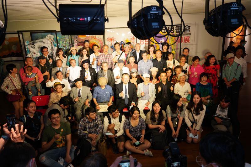 「2021台灣五月畫會65週年會員聯展」全體合影