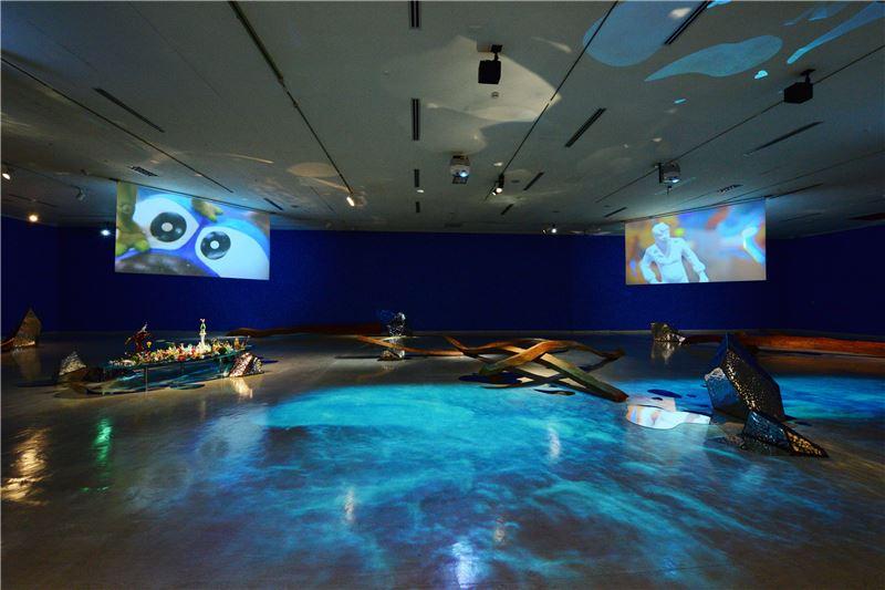 國美館「賴純純:仙境」展場(〈島嶼海國〉,〈島嶼迷航〉)