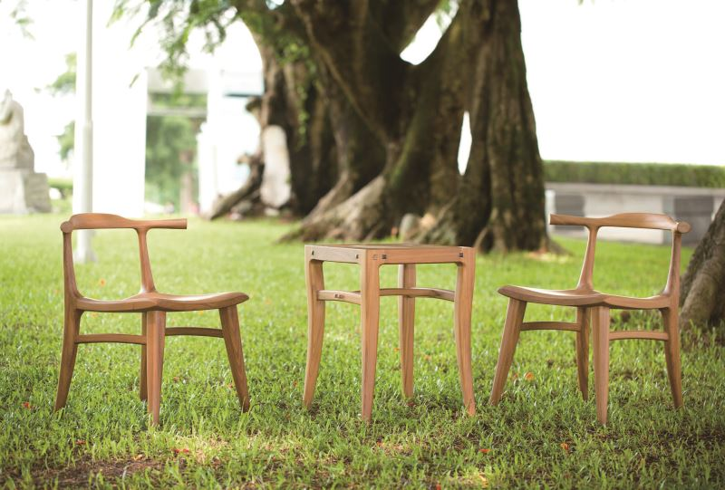 Functionality Award-Image of Mountain Life Table and Chair Set