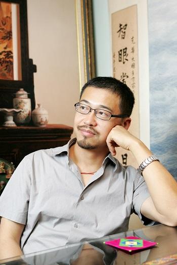 陳克華肖像照(來源/文訊雜誌社)