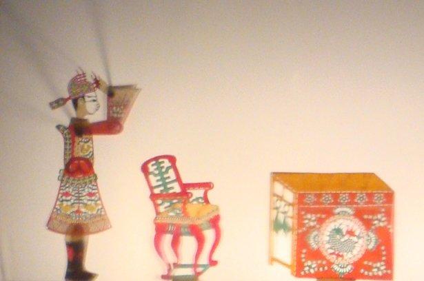 於高雄鳳林宮演出之文戲【割股(肚)】(2013)。圖中為高彥真榮中狀元,在書房的場景。