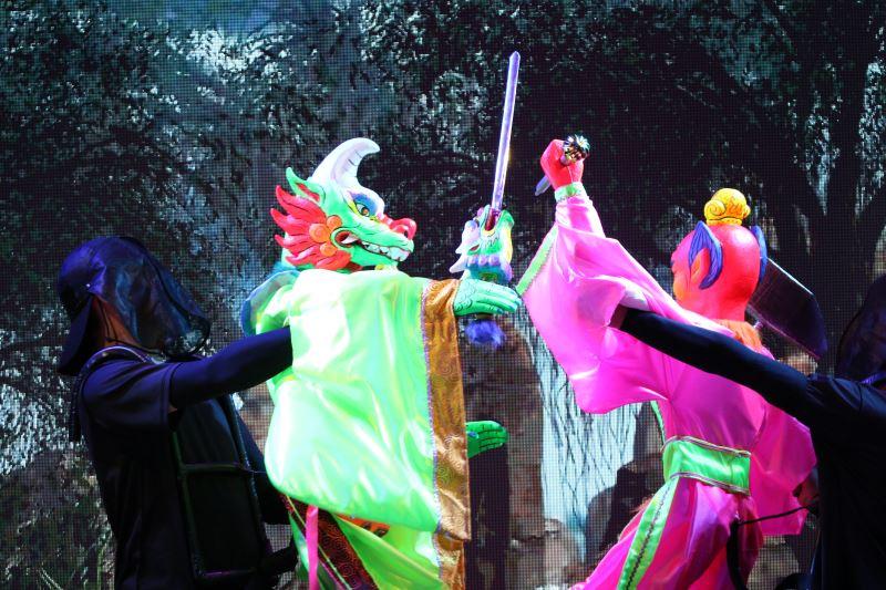 陳文哲深受金光戲影響,因此《天雷針》中充滿著神魔元素。