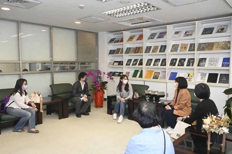 臺北市文化局、臺北市立美術館、臺灣新文化運動紀念館參訪國美館
