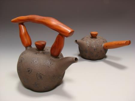 飾紋木把壺