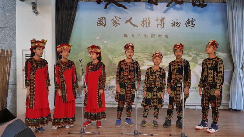 台東縣金峰鄉新興國小合唱團